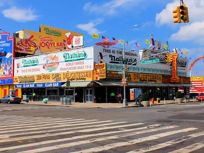 Coney Island a New York - Nathan's Hot Dog
