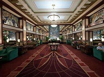 Edison Hotel in NYC - Atrio