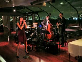 Bateaux crociera con cena a New York - Musica dal vivo