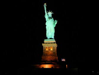 Bateaux crociera con cena a New York - Statua della libertà