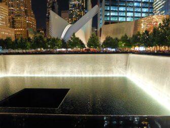 911 Memorial di sera a New York