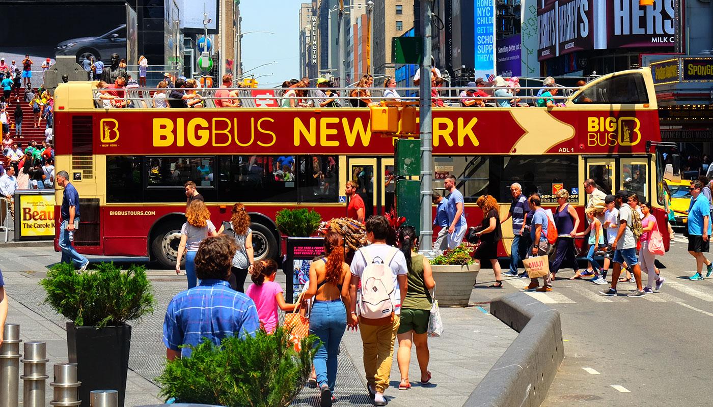 Big Bus a New York - Attraversando Times Square