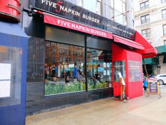 Five Napkin Burger a New York