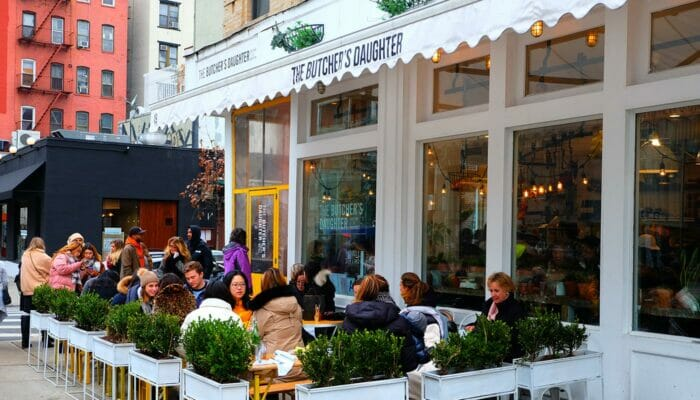 Ristoranti vegetariani a New York - The Butcher's Daughter Terrazza