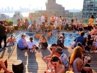 I migliori rooftop bar di New York - Piscina