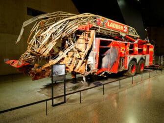 9/11 Museum di New York - Camion dei pompieri