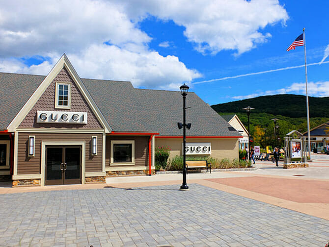 Outlet a New York Woodbury Common - Gucci