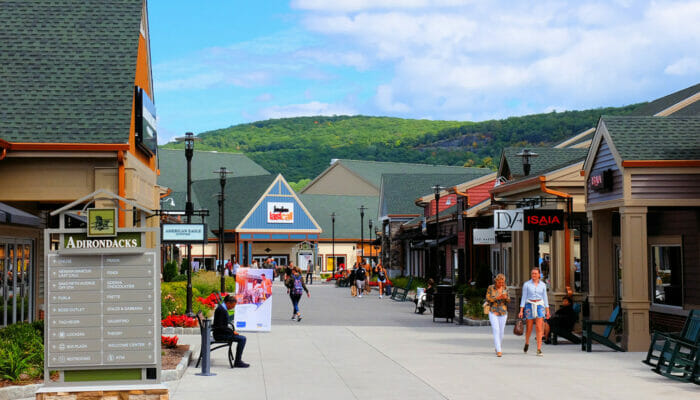 Outlet a New York: Woodbury Common - Shopping