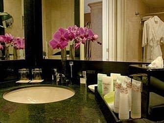 Hotel Romantici in NYC- Michelangelo Hotel