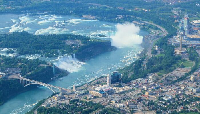 New York alle Cascate del Niagara in aereo privato per un giorno - Veduta dall'aereo