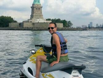 Fare jet ski a New York - La Statua della Libertà