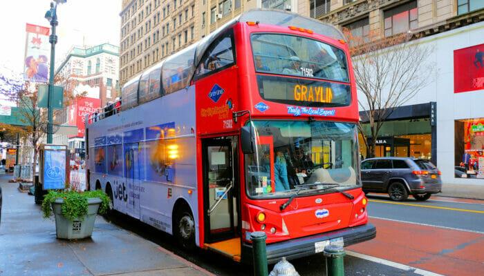 Autobus turistico Gray Line a New York - Salire