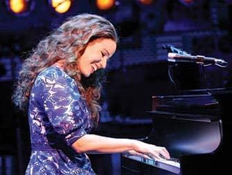 Beautiful: The Carole King Musical a Broadway- Pianoforte