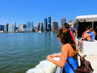 NYC Ferry a New York - Passaggio