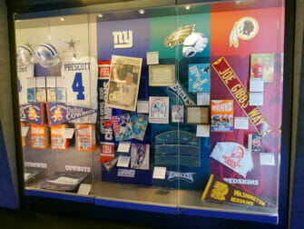 NFL Experience Times Square - Oggetti