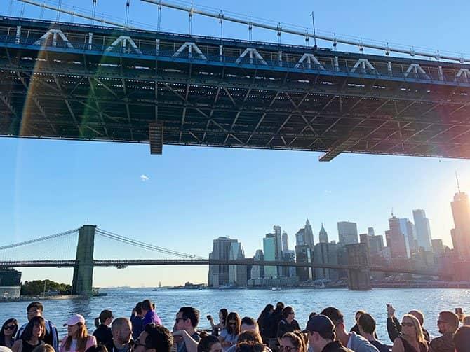 Crociera con Happy Hour a New York - Navigando l'East River