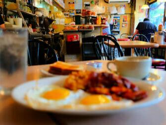Colazione a New York - La colazione alla Bonbonniere